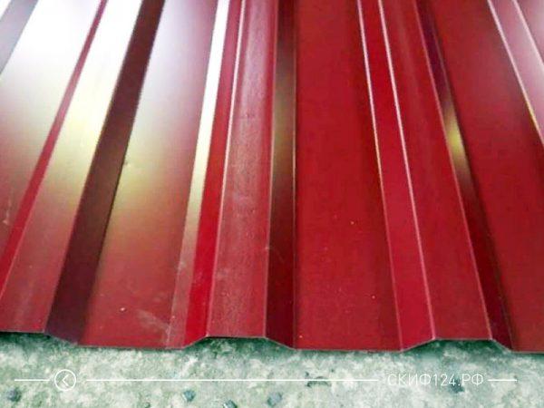 Оцинкованный профилированный лист МП-20 окрашенный в красный цвет