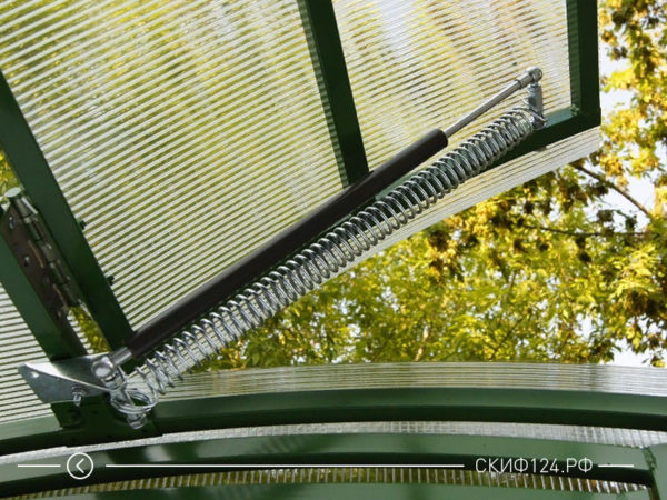 Термопривод для автоматического открывания форточек в теплице